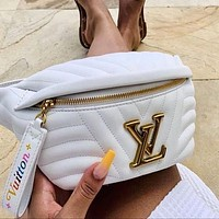 Louis Vuitton LV hot sale leather belt bag fashion men and women shoulder messenger bag