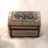 Delicate Rose II | Handmade Egyptian Mother of Pearl Jewelry Box