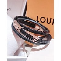 LV Louis Vuitton Trending Women Men Stylish Three Laps Leather High End Couple Stainless Steel Bracelet Hand Catenary I-KMG-NPSL