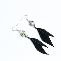 Witchcraft earrings Witch jewelry Carved bone earrings Black feathers Occult jewelry Wiccan jewelry Tribal earrings Organic earrings Gothic