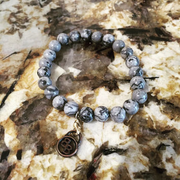 Howlite Gemstone Mens or Womens Beaded Bracelet