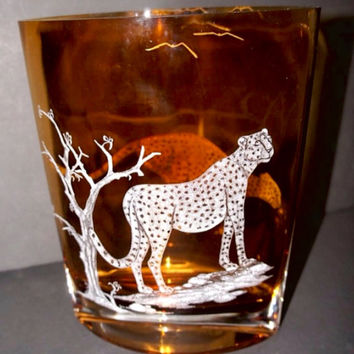 Cheetah on a mission Hand Engraved Vase