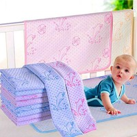 DCCKL3Z 35*45cm/50*70cm Reusable Baby Kids Waterproof Mattress Bedding Diapering Changing Mat Washable breathable pure cotton thickening
