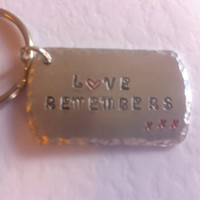 Remembrance Love Remembers key chain | key ring | Memorial jewellery | Sympathy gift | Dementia | Alzheimer's | Remembrance gift