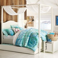 Beadboard Canopy Bed + Trundle