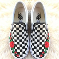shosouvenir Vans Classics Old Skool Rose Embroidery Black Sneaker-4