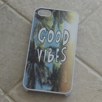 """""""Good Vibes"""" Palm Trees Case"""