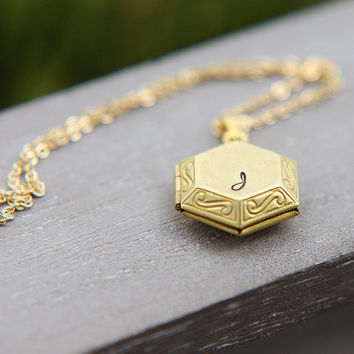 Personalized Locket Necklace, Initial Locket Necklace, Gold Plated Brass Hexagon Locket Pendant, Personalized Jewelry, Bridesmaid necklace