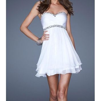 Romantic Cheap Short Chiffon White Cocktail Dresses With Open Back Short Cotail Gowns Sweetheart Neck Beaded Prom Dress