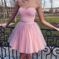 Pink Strapless Tulle Short Homecoming Dresses With Bead Belt