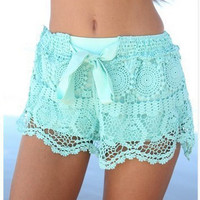 New Fashion Summer Casual Lace Shorts Elastic Waist Hollow Out Lace Short Pant Shorts Sweat Style Slim Woman
