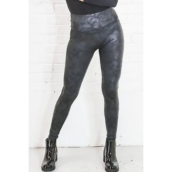 Gonna Love You Black Leather Leggings