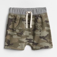 Camo Kanga Pocket Shorts|gap