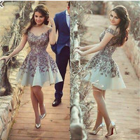 Unique Purple Appliques Flowers Short Prom Dresses Sexy V-Neck A-Line Homecoming Gowns Lovely Tulle Short Dresses For Graduation