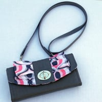 READY TO SHIP / iPhone / Accordion Style Wallet / Wristlet / Clutch / Crossbody / Flap with Ruffle Detail and Twist Lock Closure