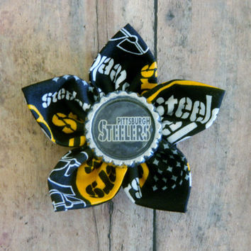 NFL Themed Flower Alligator Clip with Bottle Cap Center-Pittsburgh Steelers