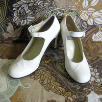 Vintage Charles Jourdan 1980s Shoes Cream Patent Leather Mary Jane High Heel Shoes 8M 6B