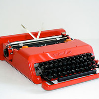 Olivetti Valentine Ettore Sottsass and Perry A. King, 1969 (QWERTY) (Mint)