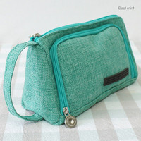 HLounge Glance triangle stand up multi pouch