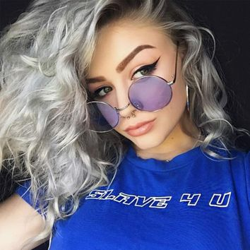 Joanne- Retro Chic Round Sunglasses