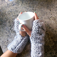 Cable Knit Fingerless Gloves, Cable Knit Wrist Warmers, Wool Knit Fingerless Arm Warmers, Chunky Cabled Wrist Warmer, Wool Fingerless Gloves
