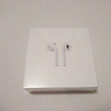 Apple AirPods (BRAND NEW IN ORIGINAL PACKAGING)