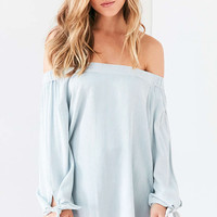 BDG Chambray Off-The-Shoulder Blouse - Urban Outfitters