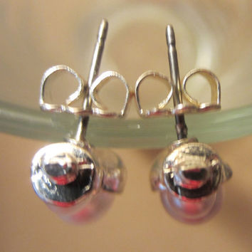 Vintage Silver & Pearl Snowman Earrings, Christmas Jewelry, Holiday Accessory, Winter Charm, Fashion Jewelry, Post Earrings, Cute, Fun