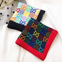 Gucci Colorful Double GG Print Star Mulberry silk crepe satin small square scarf can be used as a headband