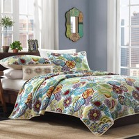 Twin / Twin XL Size 3 Piece Quilt Set In Colorful Floral Paisley