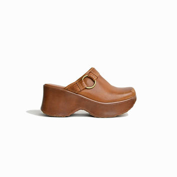 Vintage 90s Brown Leather Platform Mules / 90s Platforms in Caramel Brown / Chunky Heeled Clogs - women's 9.5
