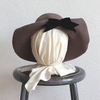 Vintage 80s does 1930s Gray Wide Brimmed Wool Hat with Black Velvet Bow