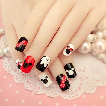 New Arrival 24 pcs Mickey Mouse Pattern Fake Nails Short Ova Black White Cartoon Nail Tips with Design in box for Christmas Gift