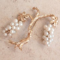 Grapevine Brooch Gold Tone Faux Pearl Clusters Vintage 032917BT