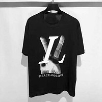 LV Louis Vuitton New Fashion Letter Hand Print Women Men Top T-Shirt Black