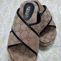 GG Fashion Casual Thick Soled Slippers Shose