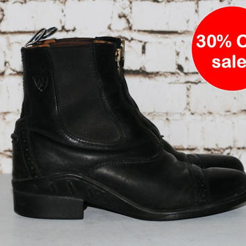 90s Ariat Chelsea Roper Boots 9 Black Leather Ankle Combat Riding Booties Punk Grunge Hipster Boho Goth Gothic front Zip Up Chunky 7 40