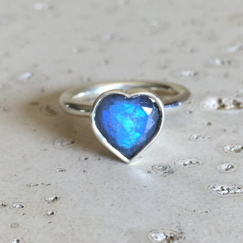 Promise Ring- Heart Ring-  Labradorite Ring- Engagement Ring- Statement Ring- Heart Shaped Ring- Rings for Her- Bridal Ring- Solitaire Ring