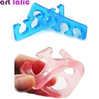 2 Pcs / Pack Silicone Soft Form Toe Separator / Finger Spacer For Manicure Pedicure Nail Tool Flexible Soft Silica Random Color
