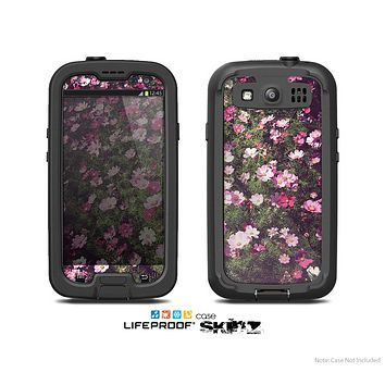 The Vintage Pink Floral Field Skin For The Samsung Galaxy S3 LifeProof Case