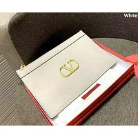 Valentino 2019 new classic V letter print logo female clutch white