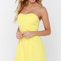 Classy Knoll Yellow Strapless Dress