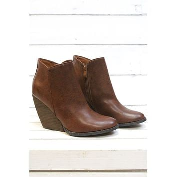 Very Volatile: Gwen Wedge Bootie {Tan} - Size 9