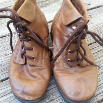 Vintage 90s Brown Lace Up Grunge Ankle Boots Size 6.5 Wide