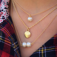 Layering Necklaces//Layered Pearl Necklace//Pearl Necklace//Pearl Bar Necklace//College Student Gift