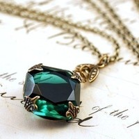Emerald jewel necklace brass mayfair vintage style green