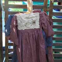 Primitive Prairie Dress Tea Stained Grunged Homespun Embroidered Vintage Linen Napkin Rusty Wire Rusty Pin HAFAIR OFG AB4B