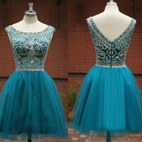 Elegant Scoop Neck Beaded Crystal Short Cocktail Dresses Sleeveless A Line Above Knee Tulles Homecoming Party Gowns Prom Dresses