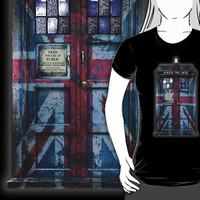 Tardis doctor who with Union Jack Flag Paint T-Shirt man and woman by pointsalestore Corp