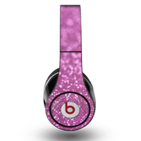 The Pink Unfocused Glimmer Skin for the Original Beats by Dre Studio Headphones